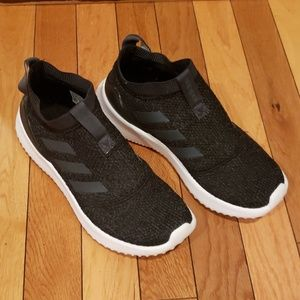 Brand New Adidas Laceless Running shoe size 6